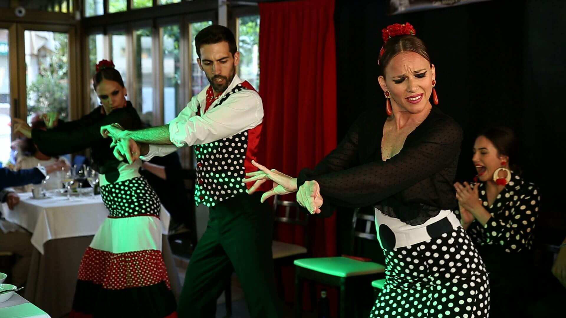 Flamenco en directo - Restaurante Tipi Tapa en Fuengirola